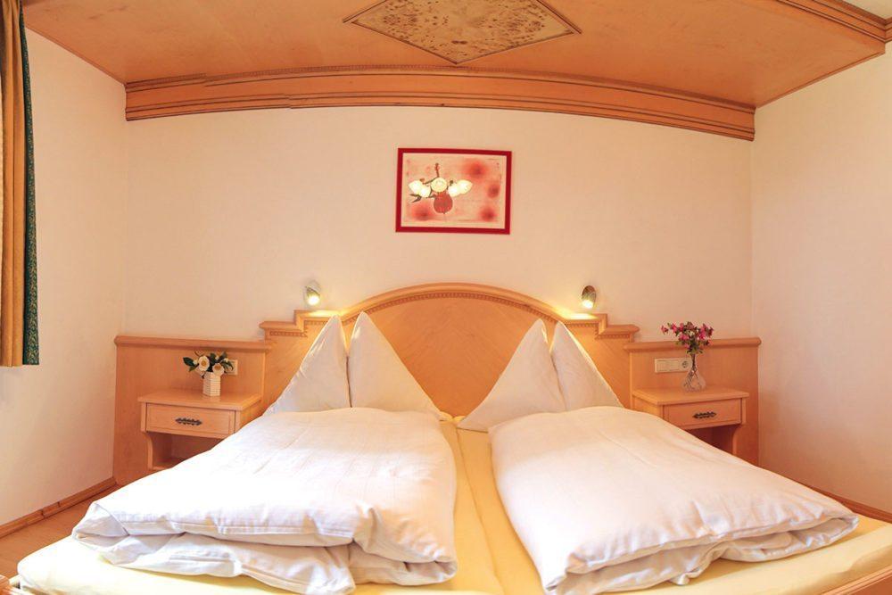 Schlafzimmer - Ferienwohnung Almrausch, Haus Dachstein in Filzmoos