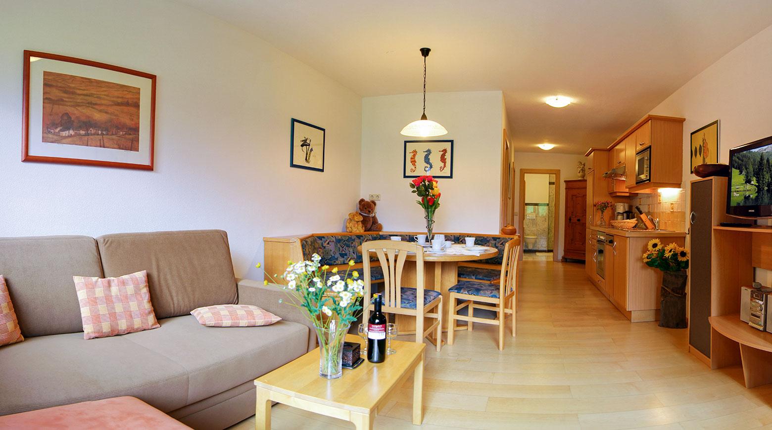 Wohnzimmer - Ferienwohnung Almrausch, Haus Dachstein in Filzmoos