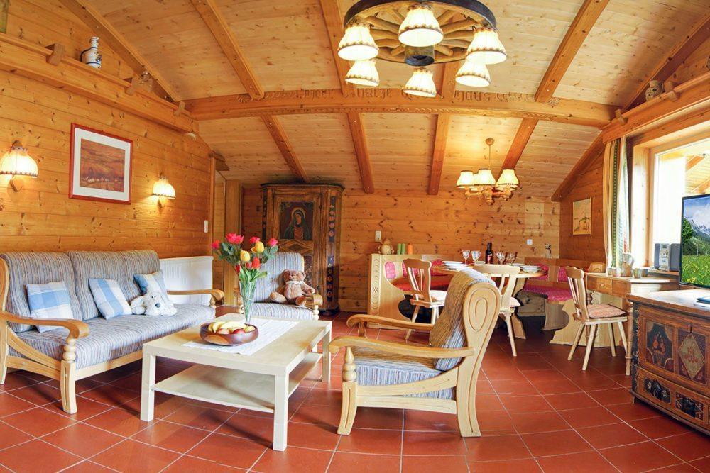Wohnzimmer in der Ferienwohnung Bischofsmütze - Haus Dertnig in Filzmoos